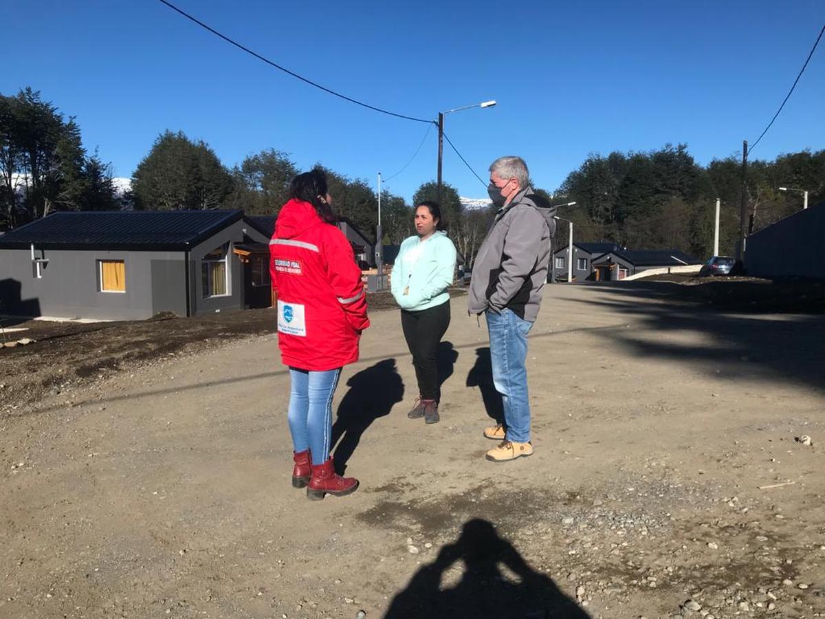 Villa La Angostura: funcionarios se reunieron con vecinos