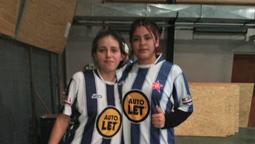 altText(Maia y Lourdes, las futbolistas estrellas de Angostura: