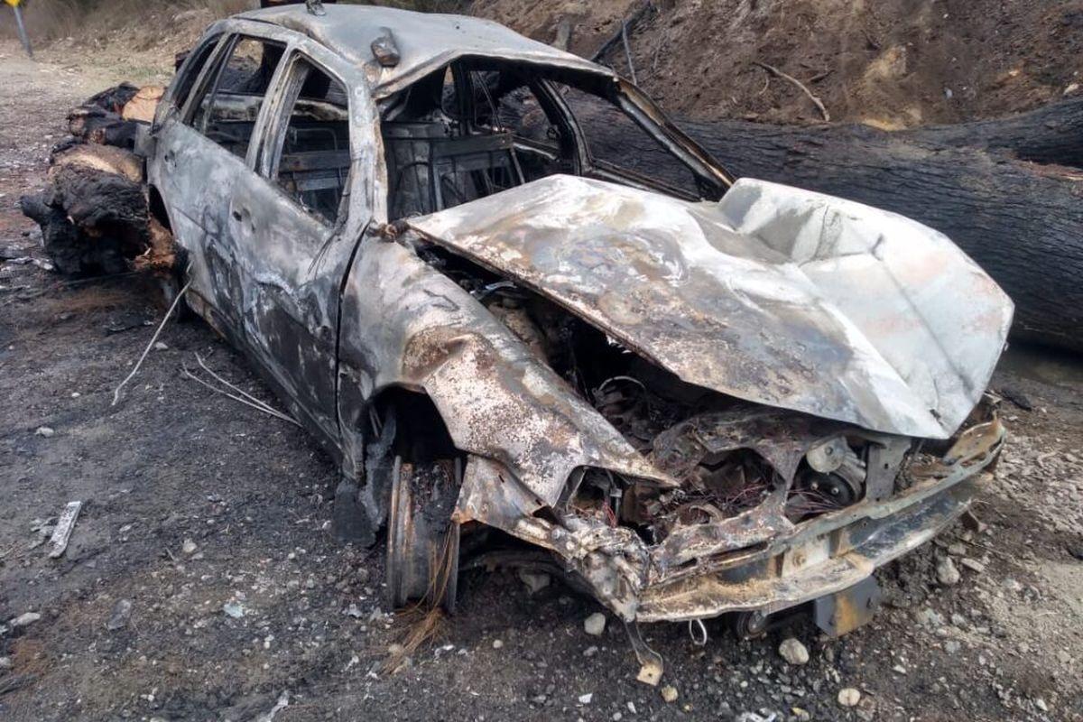 Brutal accidente en la Ruta 40: un auto volcó, se prendió fuego y las llamas alcanzaron al bosque